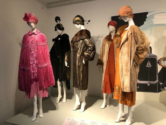 Tothemovies3 e1514557075431 - Tentoonstelling | 1920s Jazz Age Fashion and Photographs