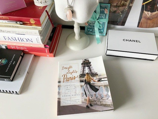 Boek review | Bright Lights Paris door Angie Niles